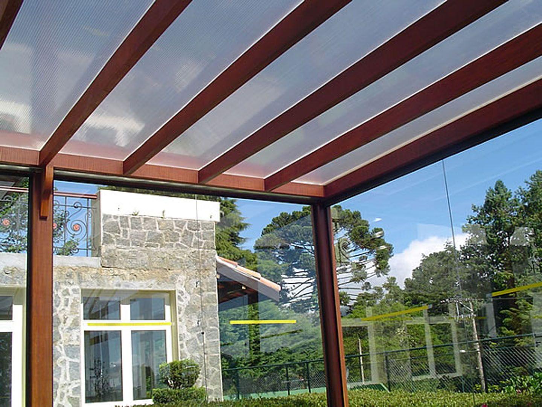 Pergolas madeira e policarbonato litoral toldos for Modelos de techos livianos